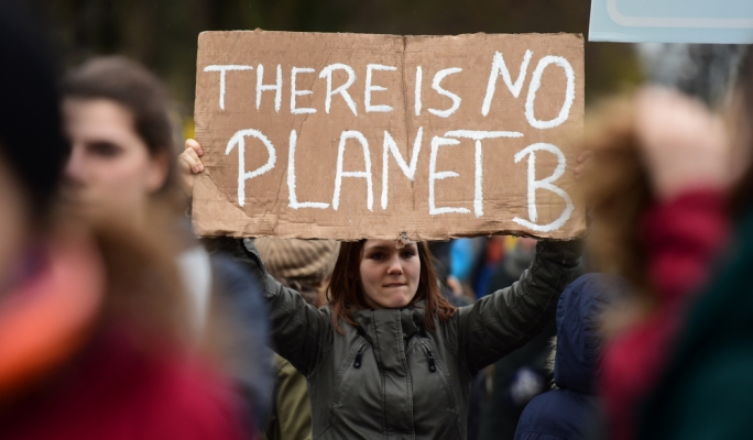 Youth groups ask MPs to put political difference aside and declare climate change emergency
