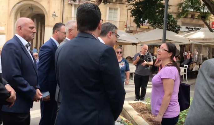 [WATCH] Daphne Caruana Galizia's sister confronts Adrian Delia while paying respects to slain journalist